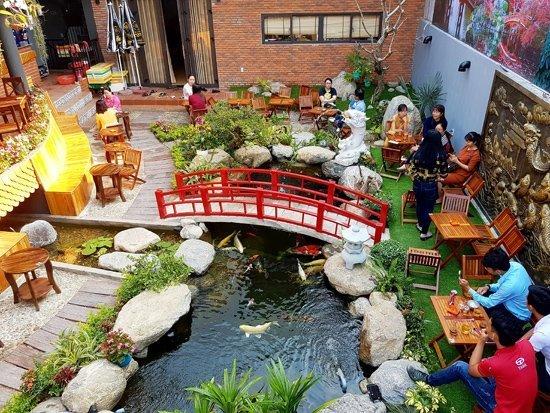 Top 5 quán cafe cá koi đẹp – độc – lạ khiến khách đến chẳng muốn về