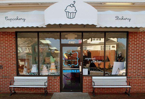 Những lưu ý vàng khi thiết kế cửa tiệm bánh ngọt