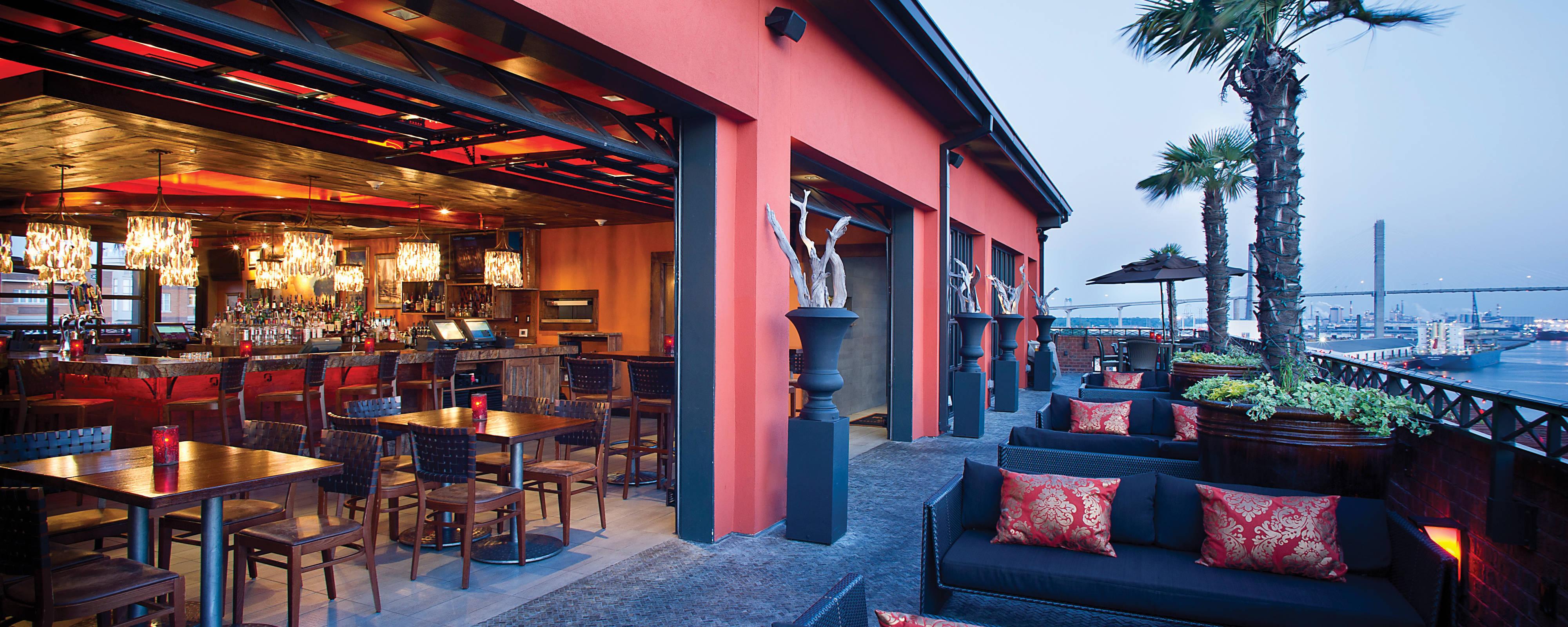 Thiết kế nhà hàng trên cao phong cách Bohemian