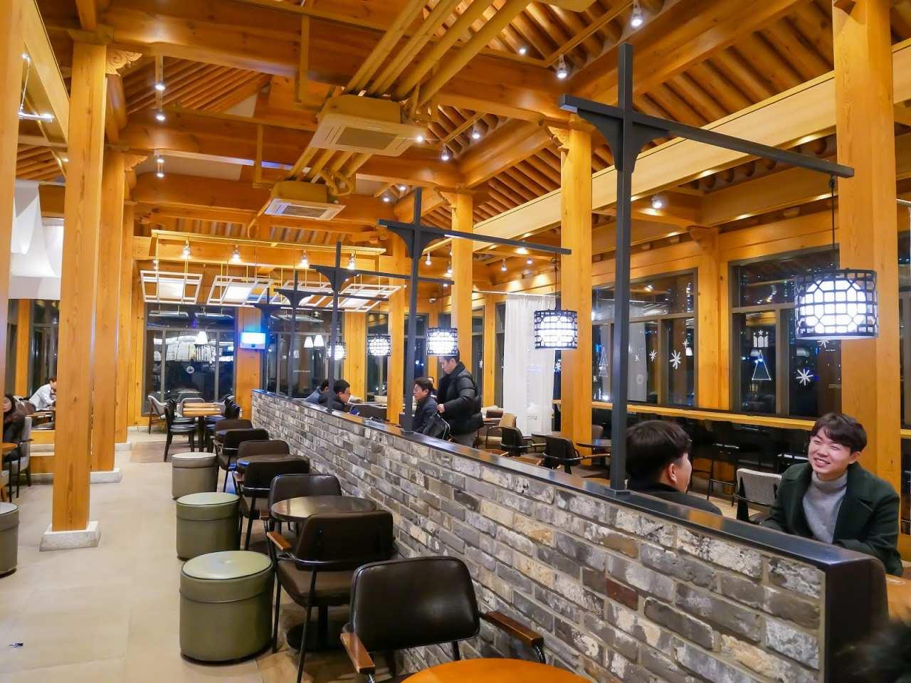 thiết kế quán cafe kiểu Hàn Quốc