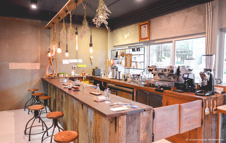 thiet-ke-ban-ghe-quan-cafe-tho-moc-2