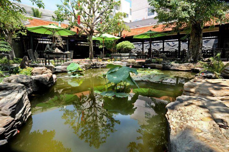 quán cafe cá koi đẹp ellip cafe mang đến sự yên bình