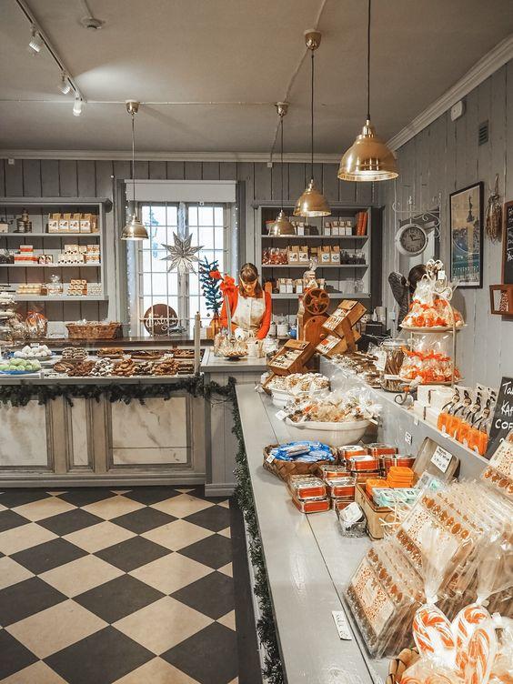 Lên concept trang trí cửa tiệm bánh ngọt