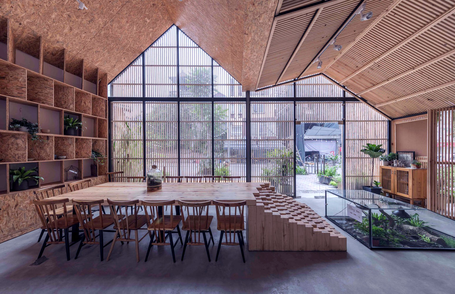 mẫu thiết kế quán cafe phong cách tropical